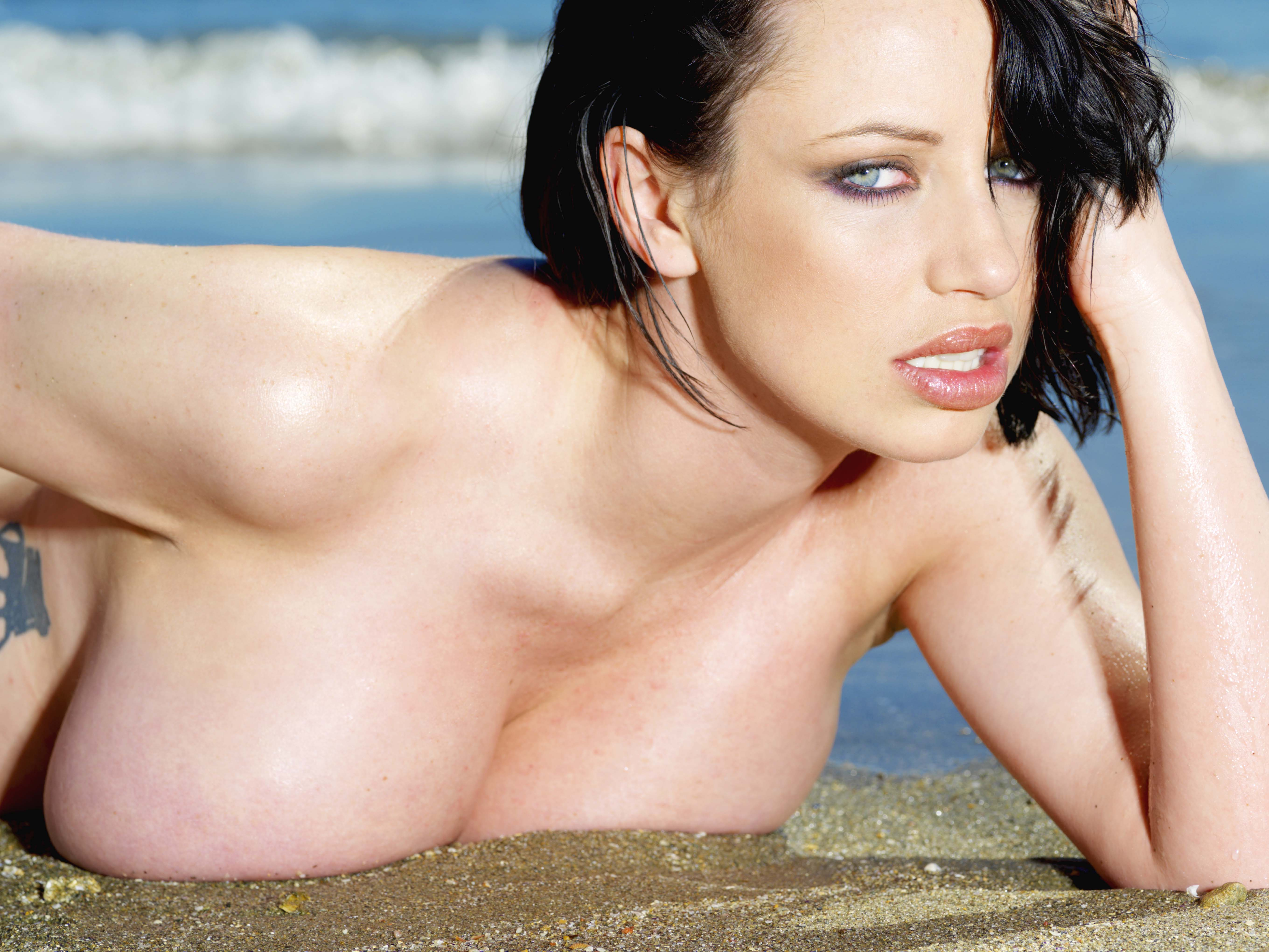 EXCL glamour sophie howard 151208
